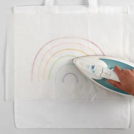 Knutseltip: Hoe versier je een katoenen tas met Textielstiften en Rub-on Stickers