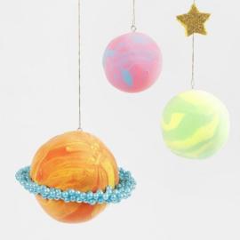 Planeten van Silk Clay en Styropor ballen