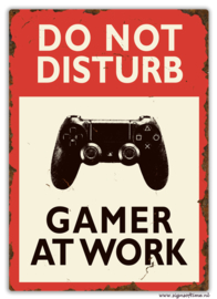 Do not disturb Gamer at work (PlayStation)