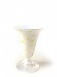 Små hvite, glas Knapstad
