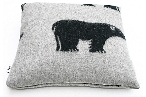 Røros Tweed, kussen Isbjørn