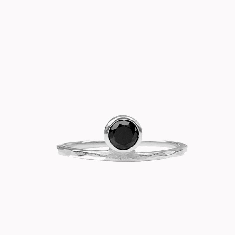 Ring Zwarte Steen