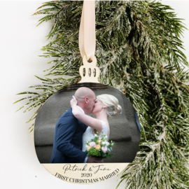 Kerstbal Hanger Hout - First Christmas Married