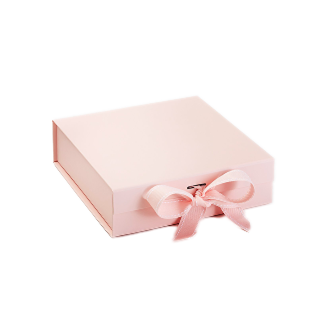 Gift Box Pale Pink Medium.png