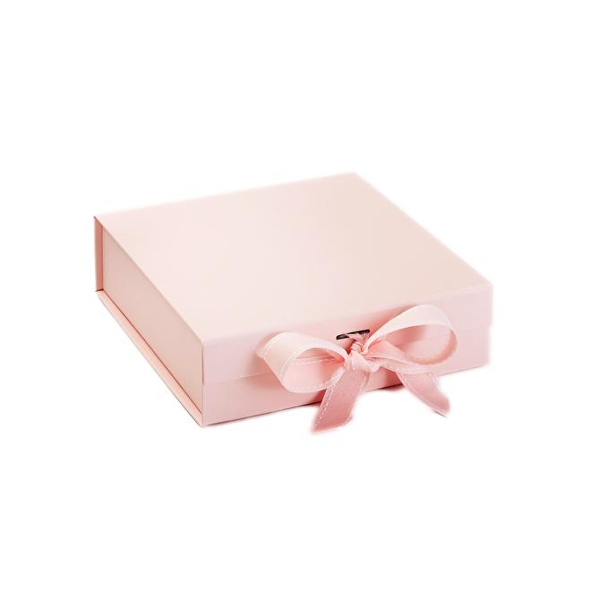 Gift Box Pale Pink Medium.png