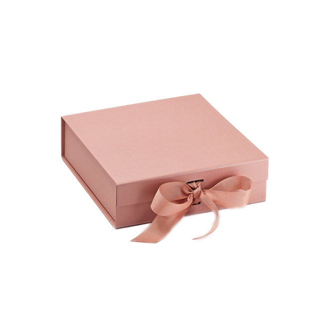 Gift Box Rose Gold Medium.png