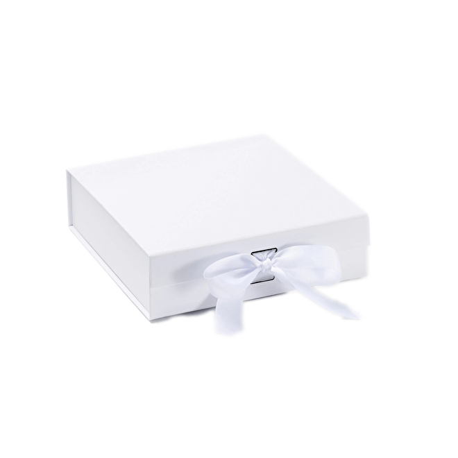 Gift Box White Medium.png