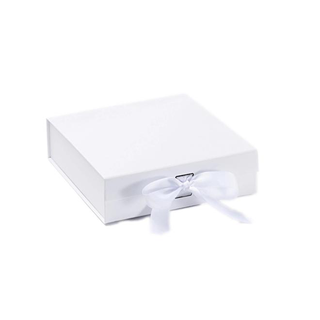 Gift Box White Medium.png