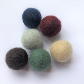 Viltballen 2,1 cm Lichtbeige  041 (per 10 stuks)