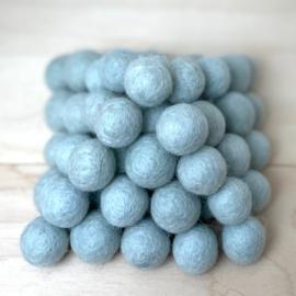 Viltballen 2,2 cm Lichtblauw/grijs 043 (per 10 stuks)