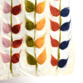 Sjaal gevilt op chiffon wit Chiffon met bladranken