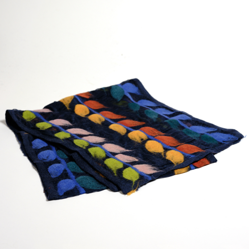 Sjaal gevilt op Chiffon Donkerblauw met bladranken