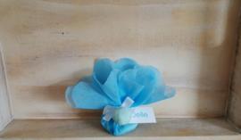 tule blauw met pompon