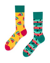 Many Mornings - sokken unisex - mismatched Watermelon Splash