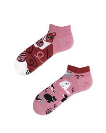 Many Mornings - sneaker sokken unisex - mismatched Playful Cat
