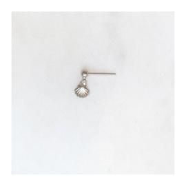 By Nouck - Earpin Mini Shell Silver - oorsteker/hanger silverplated - per stuk