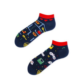 Many Mornings - sneaker sokken unisex - mismatched Game Over