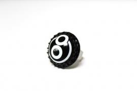 Crazyclage - ring zwart/wit - ring van messing en kroonkurk