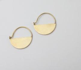 Ting Goods - half moon oorbellen - brass