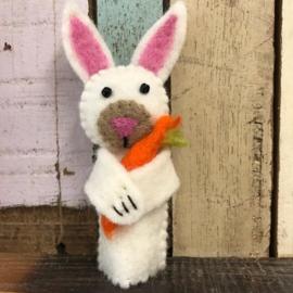 Sjaal met Verhaal -vilt - vingerpop - haas met wortel