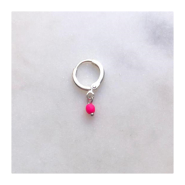 By Nouck - Earring Neon Pink Bead Silver - oorsteker/hanger silverplated - per stuk