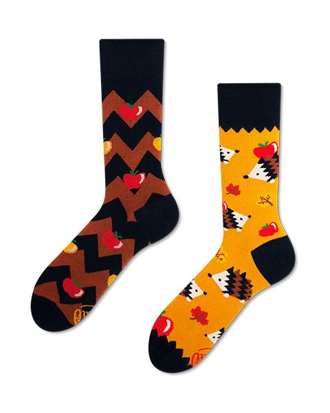 Many Mornings - sokken unisex - mismatched Apple Hedgehog