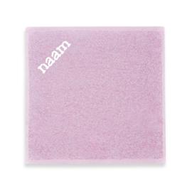 Roze monddoekje (geborduurd)