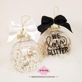 Kerstbal met glitters en naam