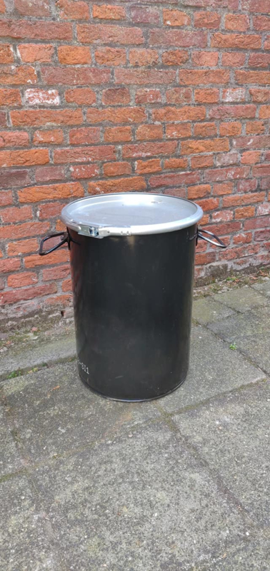 20 Liter dekselvat zwart (gebruikt)