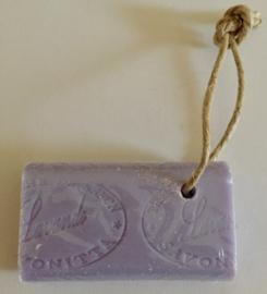 Marseille zeep aan koord, met stempel, lavende