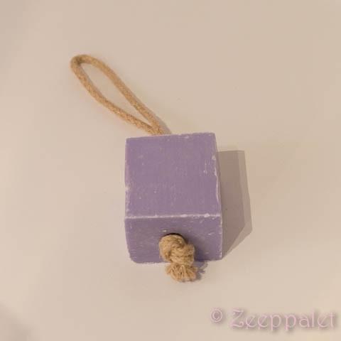 Blok zeep aan koord, Lavende