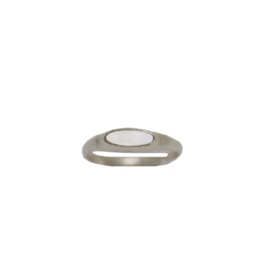 Tiny pearl signet ring zilver
