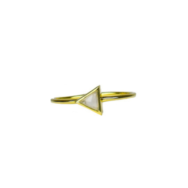 Triangle moonstone ring goud