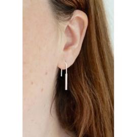 Parallel horseshoe oorbellen zilver