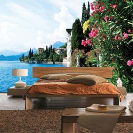 Fotobehang poster 0817 zee lucht villa dorp bloemen planten groen