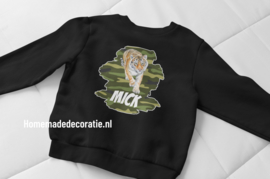 Tshirt of sweater met tijger en naam army