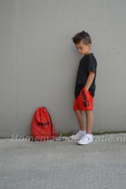 Sport pakje met naam zwart met rood
