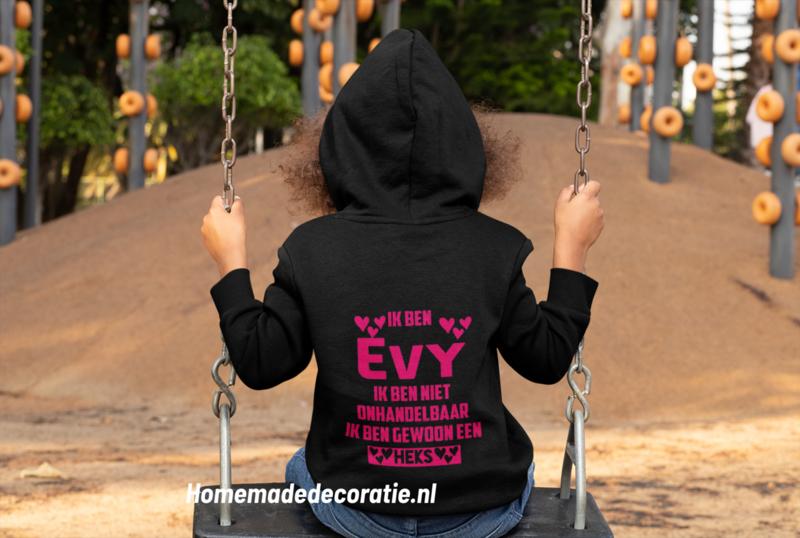 Onhandelbaar heks hoodie met naam