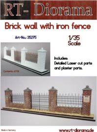 RT35275 1:35 RT-Diorama Brick wall with Fence