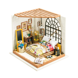 DG107 Robotime  Alice's Dreamy Bedroom (DIY kit approxx 1:24)