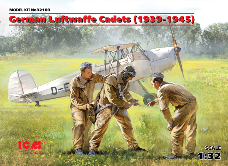 ICM32103 1:32 ICM  German Luftwaffe Cadets (1939-1945) (3 figures) (new molds)