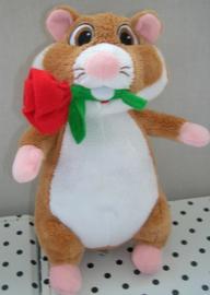 Hamster knuffel met roos | Albert Heijn