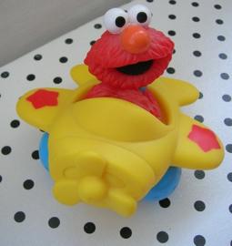 Sesamstraat rubber Elmo in vliegtuig | Tyco Preschool
