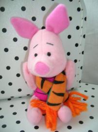 Disney Knorretje Piglet knuffel met Tigger sjaaltje   McDonalds