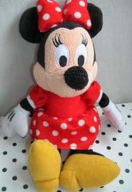 Minnie Mouse Disney knuffel in rood jurkje | Disneyland Disneystore