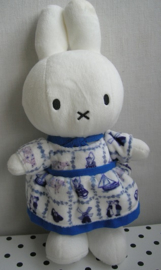 Nijntje knuffel Delfts blauw jurkje