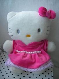 Hello Kitty knuffel met parelketting | Sanrio