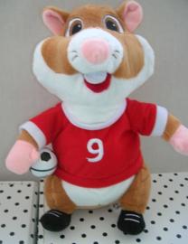 Hamster knuffel rood met voetbal | Albert Heijn