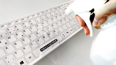 https://www.mijnwebwinkel.nl/winkel/gezondkantoor/a-59160207/home/afwasbare-toetsenbord-en-muis-set/#description