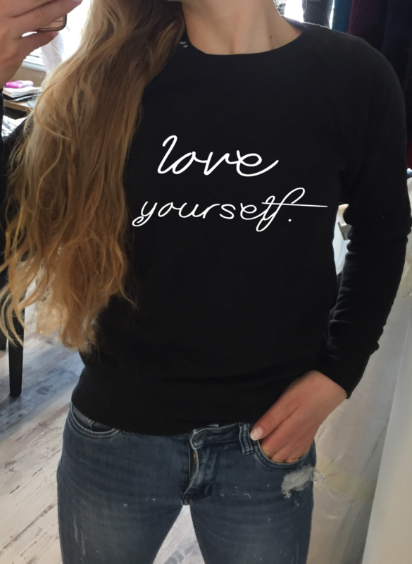 Trui Love yourself.